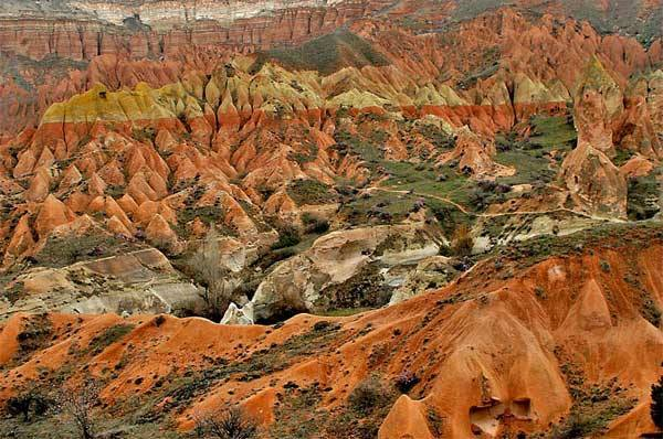 Imagini pentru Red/Rose Valley
